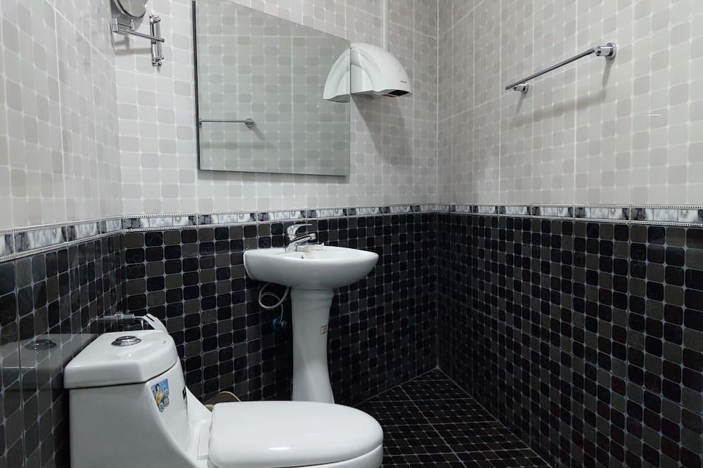 Двухместный номер с 1 двуспальной кроватью, 1 спальня - Ванная комната