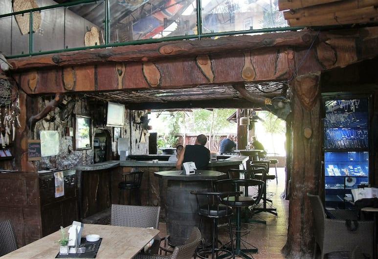 MB's Garden Inn, Lapu-Lapu, Hotel Bar