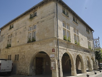 Top 10 Hotels in AiguesMortes France Hotelscom