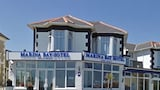 Sandown hotel photo