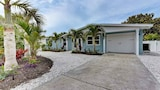 Choose This 4 Star Hotel In Anna Maria