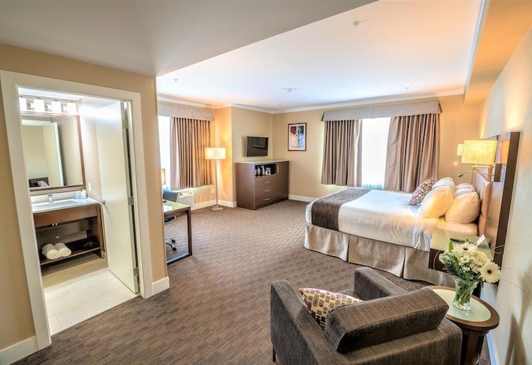 Mstar Hotel, Kitimat, Prémium szoba, 1 king (extra méretű) franciaágy, Vendégszoba