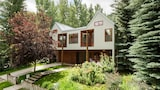 Foto di Teague Designed Home on Waters Avenue by RedAwning a Aspen