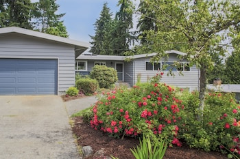 Picture of A Touch of Zen in Bellevue by RedAwning in Bellevue