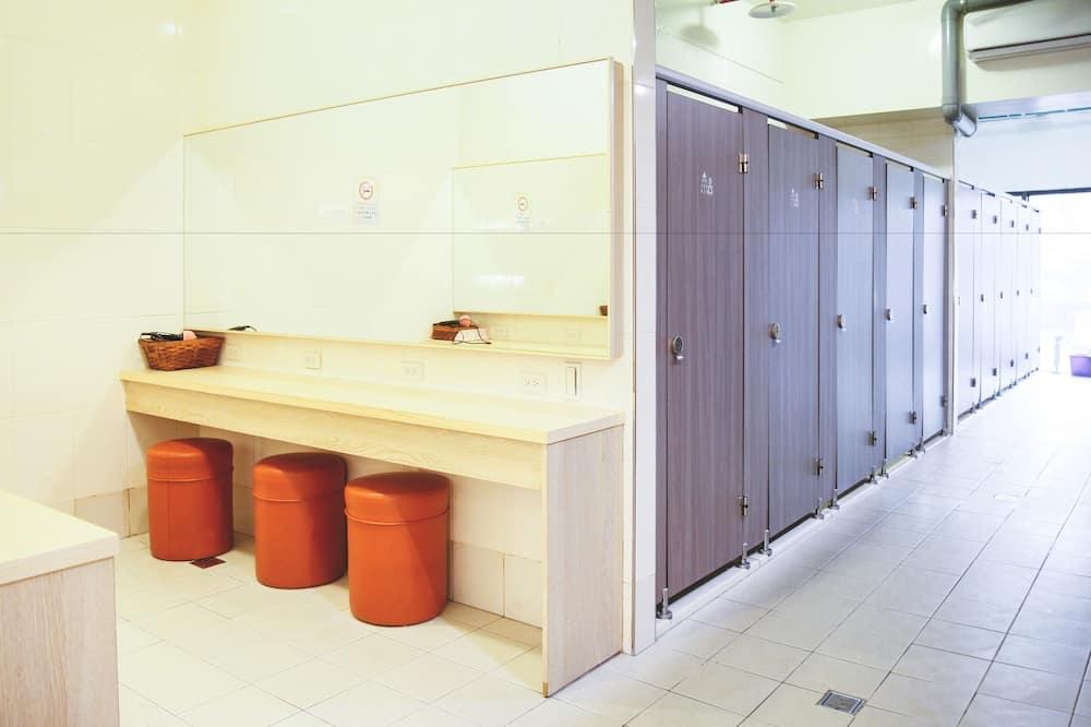 Shared Dormitory, Mixed Dorm, Shared Bathroom - Bilik mandi
