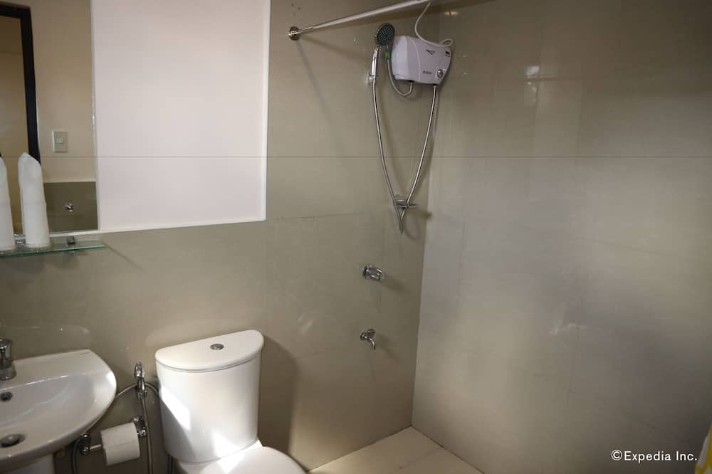 standartinis dvivietis kambarys su atskiromis lovomis - Vonios kambarys