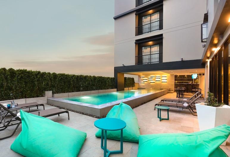 X2 Vibe Bangkok Sukhumvit Hotel, Bangkok, Terrace/Patio