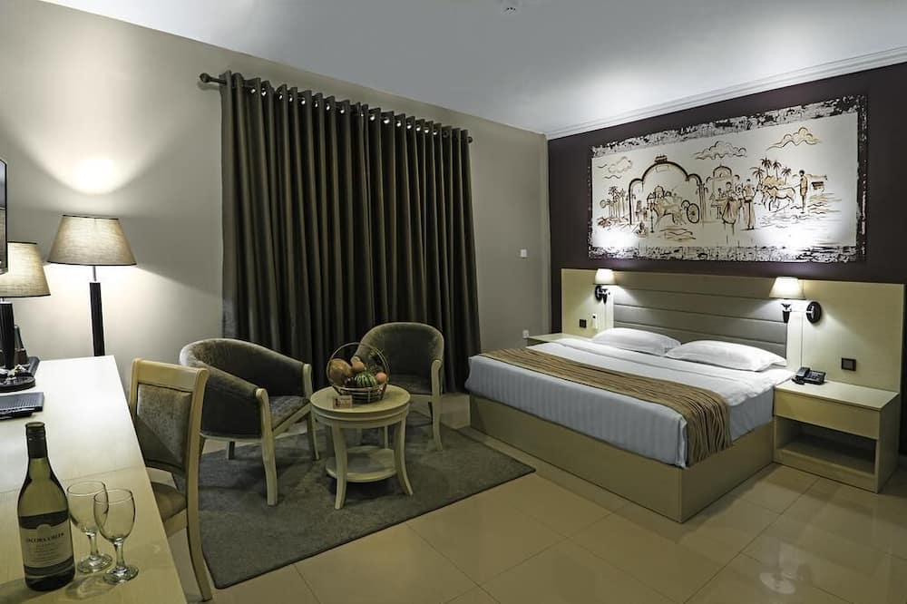 Deluxe Room, 1 King Bed - Guest Room