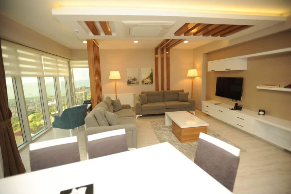 Luxury Apartment, 2 Bedrooms, Sea View - Living Room