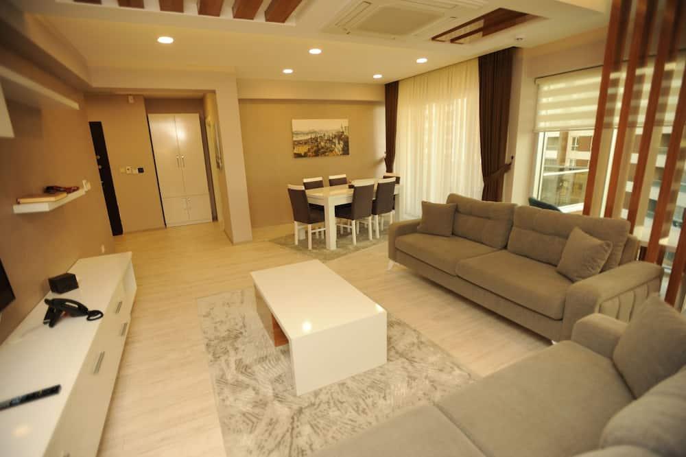 Luxury Apartment, 2 Bedrooms, Sea View - Living Area