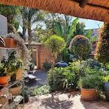 La Cottage - Bahçe Manzaralı