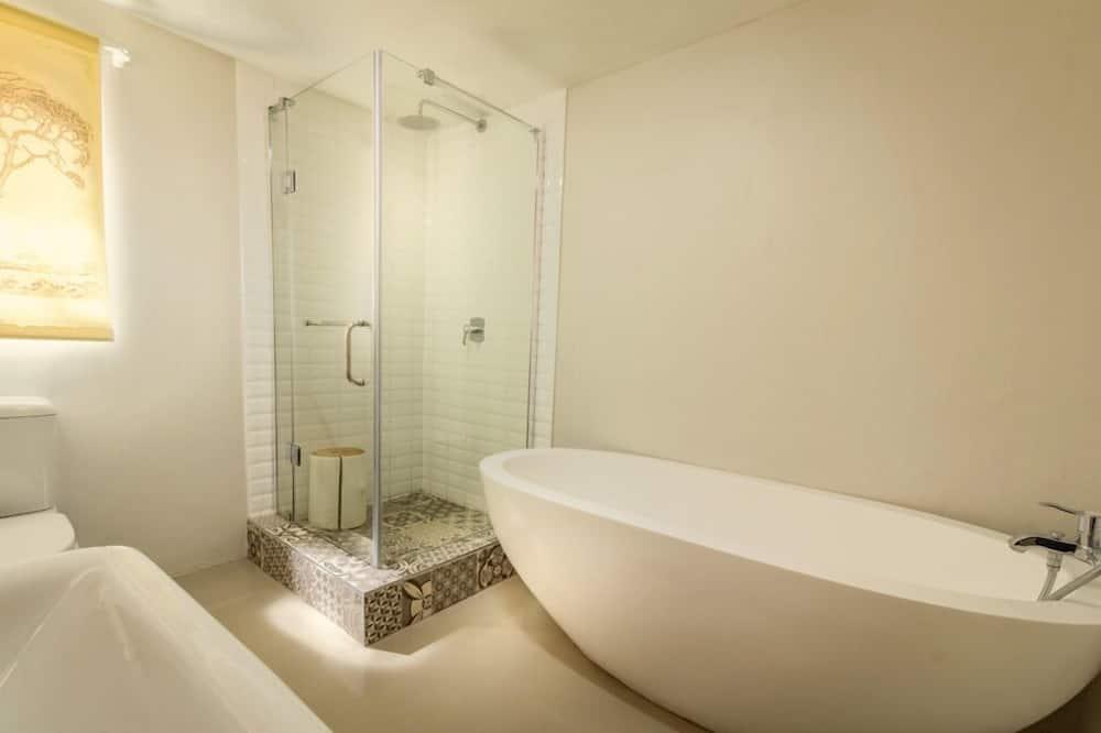 Chambre Familiale, 1 chambre - Salle de bain