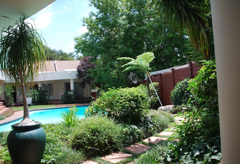 Woodmead Guest Lodge, Sandton