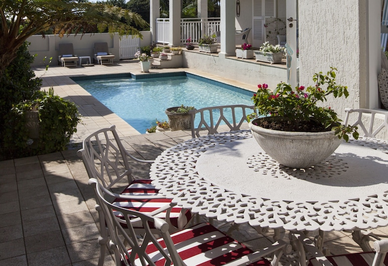 Sandals Guest House, Umhlanga, Vonkajší bazén