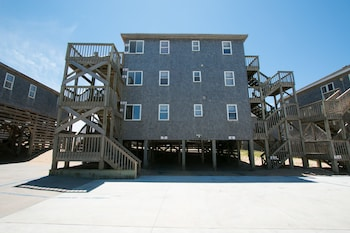 Picture of Outer Banks Motel in Buxton