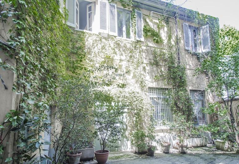 Brera Apartments in Porta Romana, Milan, Bagian depan properti