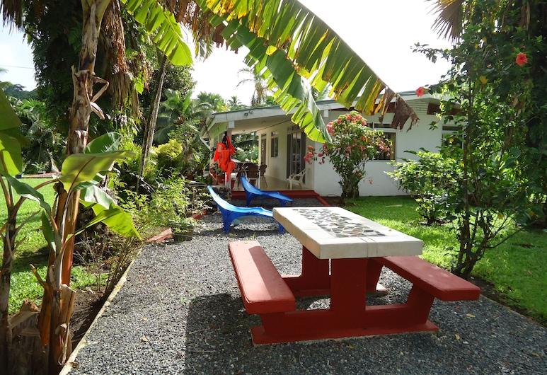 Villas Bougainville, Huahine, Terasz/udvar
