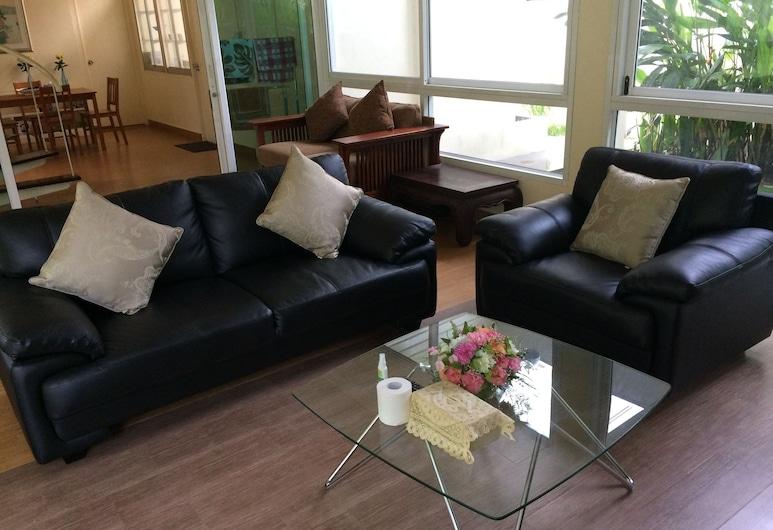 Ratchayothin Cottage, Bangkok, Villa, Sala de estar