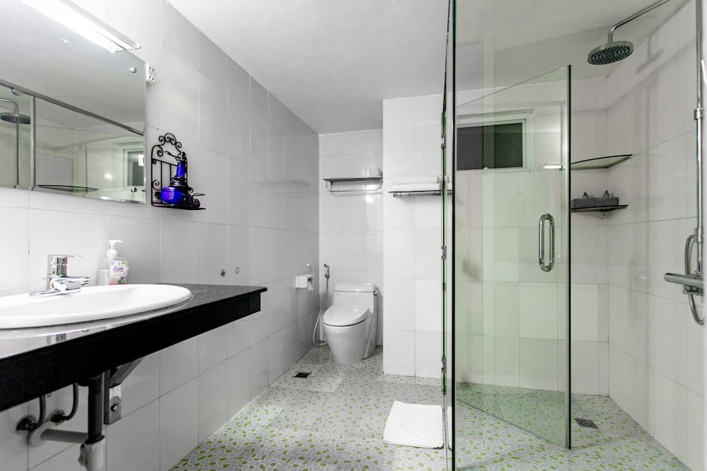 Kamar Keluarga (Executive) - Kamar mandi