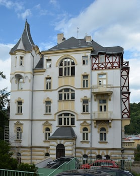 Enter your dates for our Karlovy Vary last minute prices