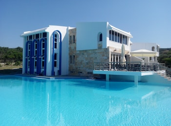 Picture of Skion Palace Beach Hotel in Kassandra