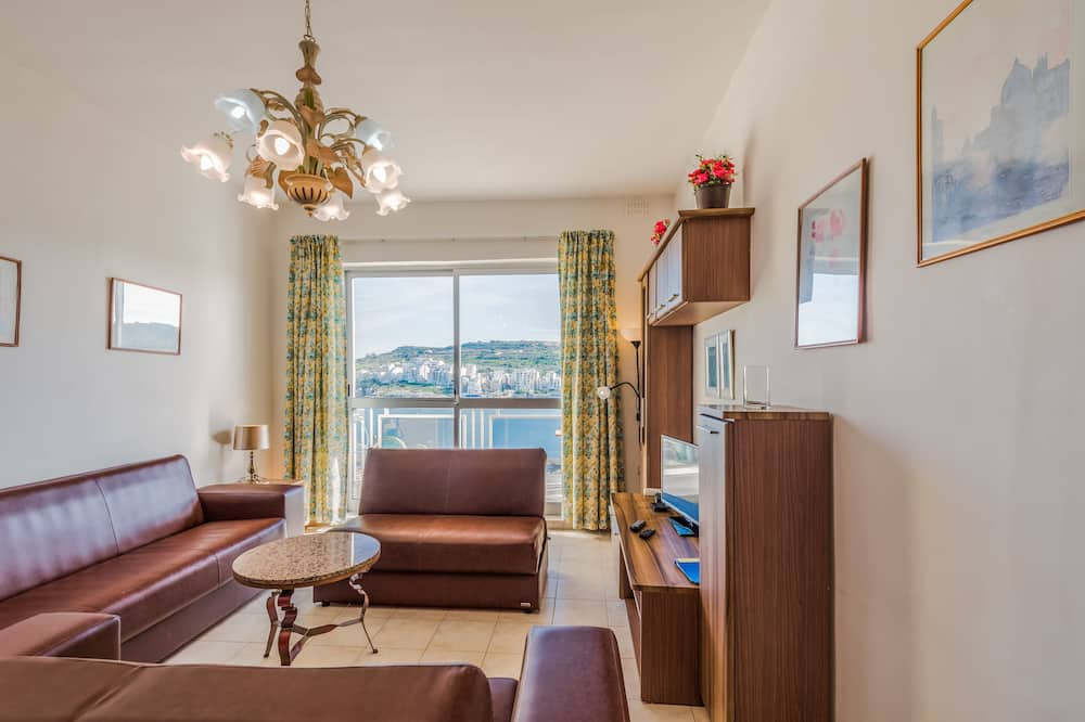 Family Apartment, 2 Bedrooms, Terrace, Sea View - Living Area