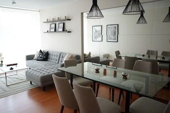 Obrázek hotelu Miraflores Luxury Apartments - Del Solar ve městě Lima