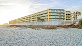 Foto di Charleston Oceanfront Villa 201 by RedAwning a Folly Beach