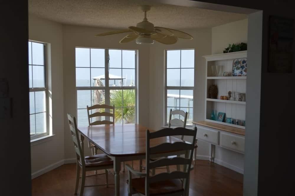 ハウス 2 ベッドルーム バルコニー オーシャンビュー (Harbor House) - 客室