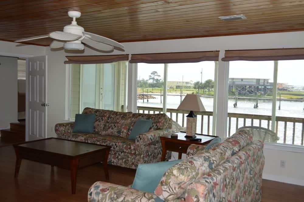 ハウス 2 ベッドルーム バルコニー オーシャンビュー (Harbor House) - リビング エリア