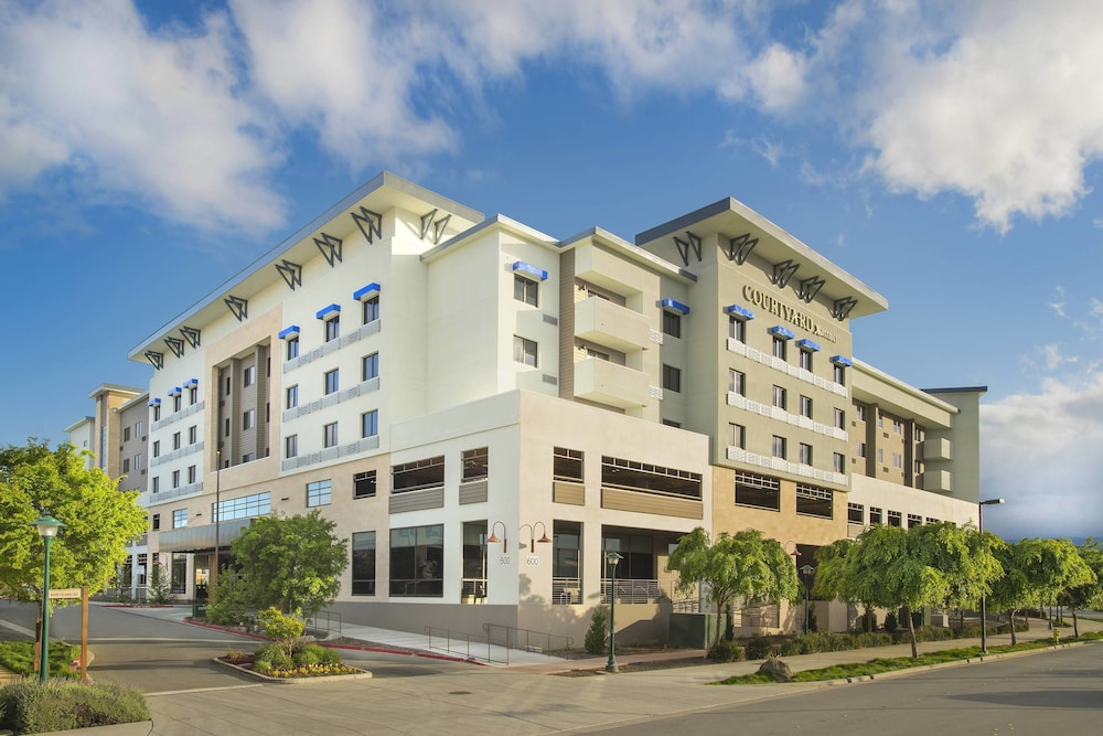 Courtyard By Marriott Redwood City, Redwood City ...
