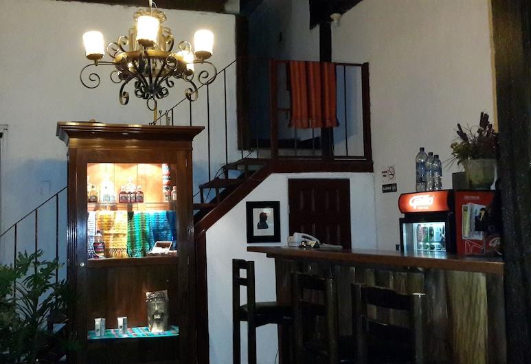 Hotel Las Piletas, Antigua Guatemala, Lobby