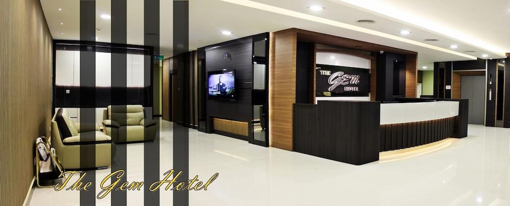 The Gem Hotel Beaufort Lobby