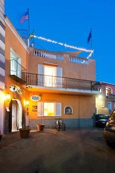 Forio d'Ischia bölgesindeki Ring Hostel resmi