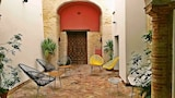 Reserve this hotel in Carmona, Spain