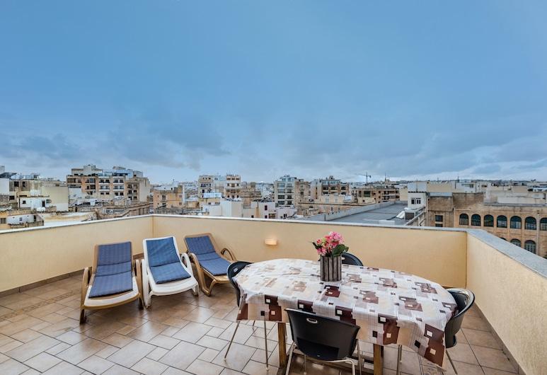 Blue Waters Penthouse Sliema, Sliema, Terrace/Patio