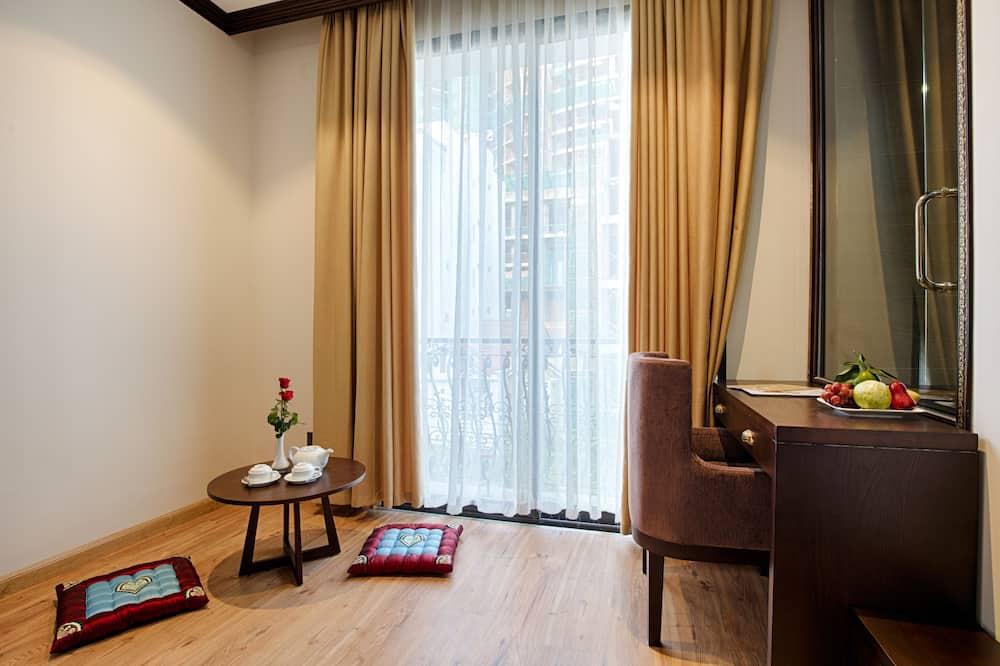 Family Studio Suite, 2 Bedrooms, Kitchen - Living Area