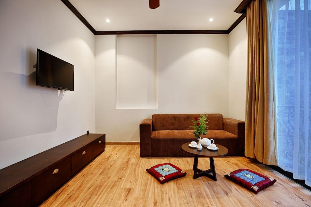 Family Studio Suite, 2 Bedrooms, Kitchen - Living Room