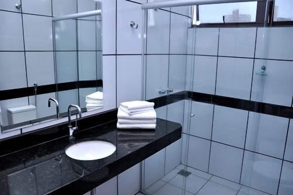 Luksuzna trokrevetna soba - Kupaonica