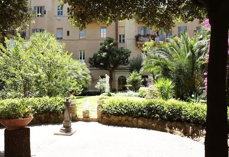 Raphael Rooms, Rome, Terrein van accommodatie