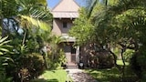 Choose This Luxury Hotel in Kailua-Kona