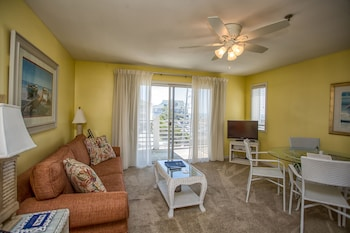 Picture of Sandpeddler Inn & Suites in Wrightsville Beach