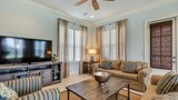 Choose this Villa in Miramar Beach - Online Room Reservations