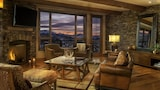 Foto di Sunset Peaks at See Forever by RedAwning a Telluride