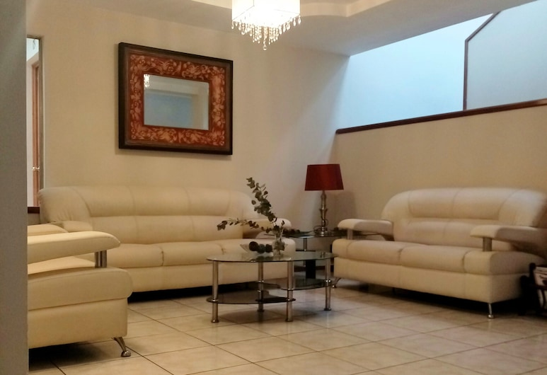 Hotel Casa Blanca Inn, Guatemala City, Living Area