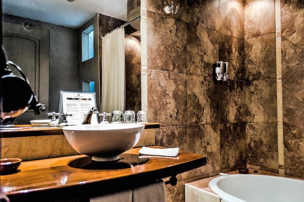 尊榮三人房 - 浴室