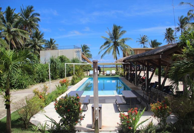 Reef Beach Resort, ג'נרל לונה, נוף מהמלון