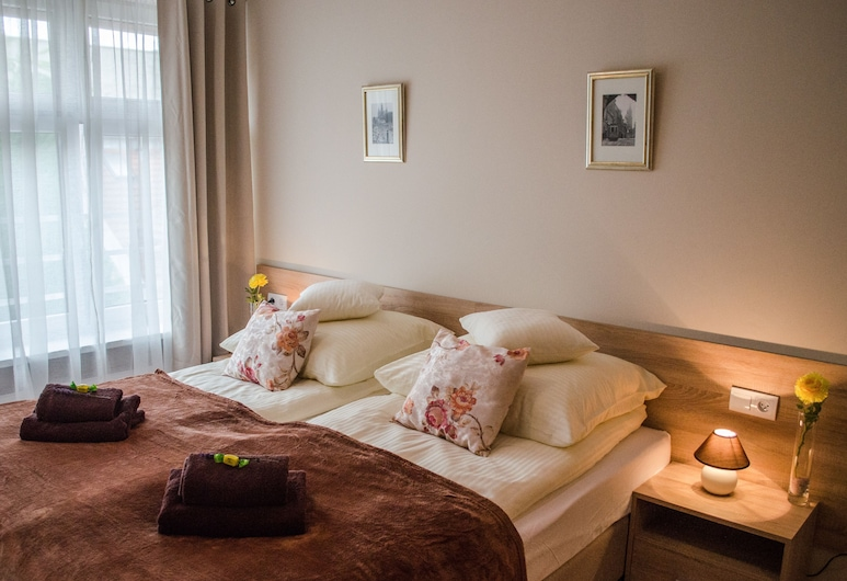 Royal Route 29 Comfort Rooms, Krakow, Family Room (Comfort), Room