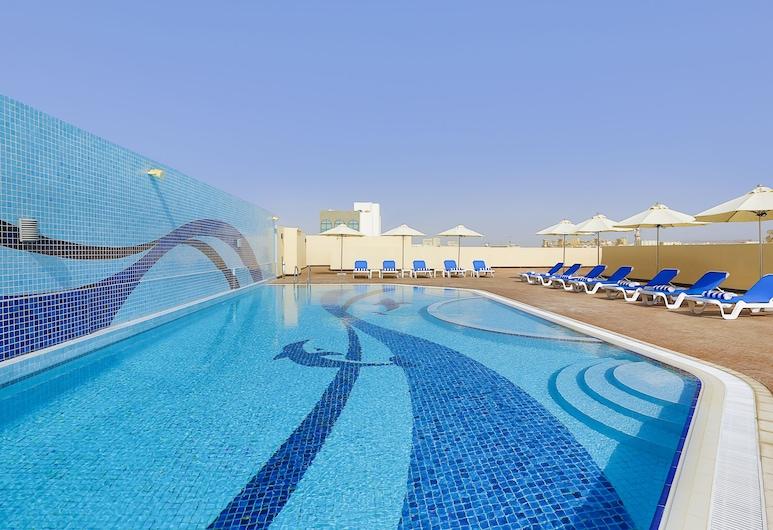 فندق جيت واي, دبي, حمام سباحة