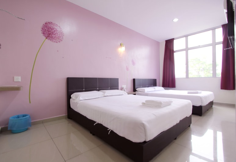 Max Inn Suite Hotel, Batu Pahat, Deluxe Queen Room With Two Queen Beds, Guest Room